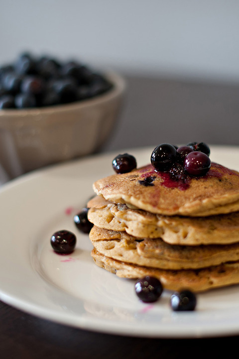 vegan blueberry pumpkin spice pancakes with blueberry compote-4