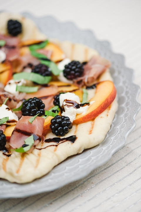 Peach blackberry and goat cheese grilled flatbread pizza-10
