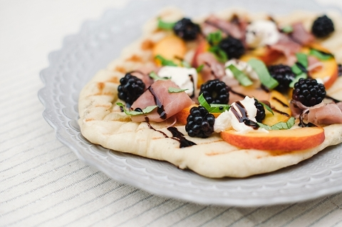 Peach blackberry and goat cheese grilled flatbread pizza-1a